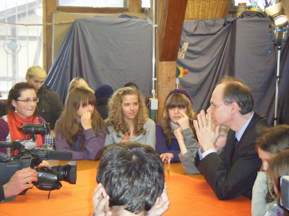 Bezirksbürgermeister Matthias Koehne bei Redezeit